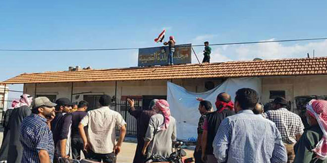 People in Quneitra's central and southern villages demand expulsion of terrorists and entry of Syrian Army