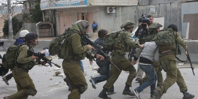 Israeli occupation forces arrest 4 Palestinians in the West Bank