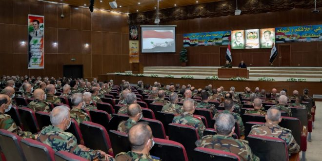 """President al-Assad visits higher military academy in Damascus, meets graduates of 36th round of """"Command and Staff"""""""