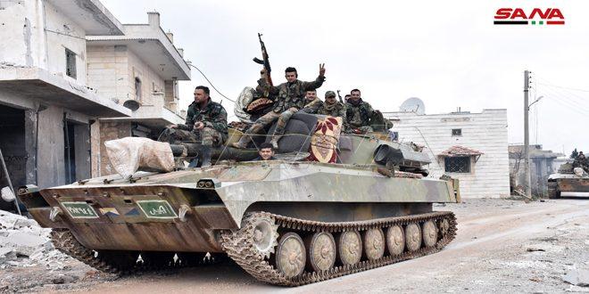 Cámara de SANA recorre los pueblos liberados de Talmanas, Deir Gharbi y Deir Sharki en el campo sureño de Idleb