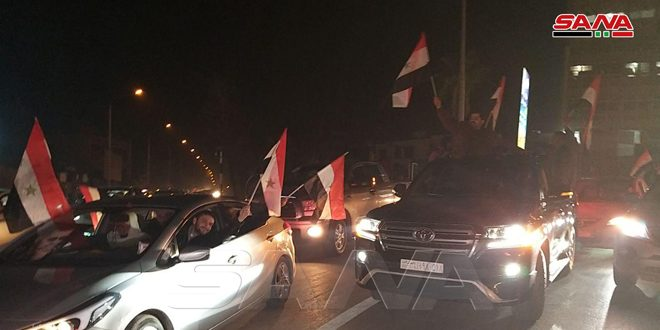 En fotos: Vecinos de Alepo celebran los triunfos del Ejército en el norte de Siria
