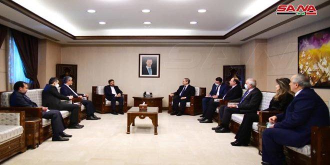 Canciller sirio debate con portavoz de cancillería iraní las vías de enfrentar retos comunes.