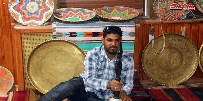 Joven de Deraa colecciona más de tres mil utensilios tradicionales en su casa (+fotos)