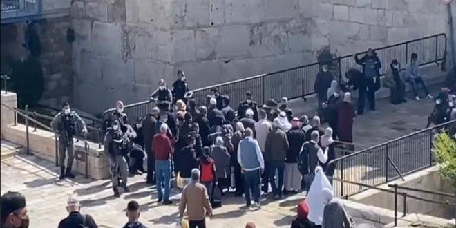 ممانعت نیروهای اشغالگر از ورود فلسطینیان به مسجد الاقصی