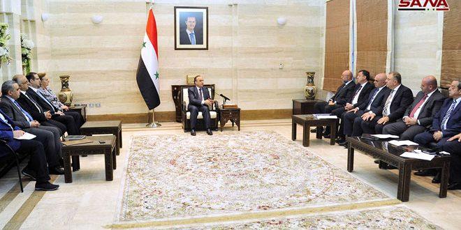 Khamis discute avec des hommes d'affaires syriens en Egypte les moyens de réactiver leurs investissements dans la Patrie