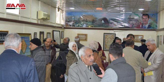 Célébrant la Journée internationale de la langue maternelle.. le centre culturel de Hassaké organise une exposition de calligraphie arabe