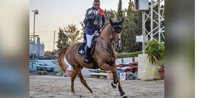 Le cavalier Chahine remporte le Grand Prix au championnat international de saut d'obstacles en Jordanie