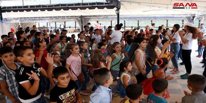 Радость праздников возвращается на площади свободных от терроризма населенных пунктов провинции Хомс