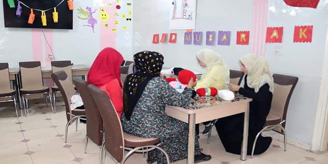 В Хасаке около 1 200 женщин получили профессии в Центре по расширению возможностей и обучению