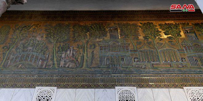 Наикрасивейшая мозаичная картина на входе в мечеть Омейядов в Дамаске