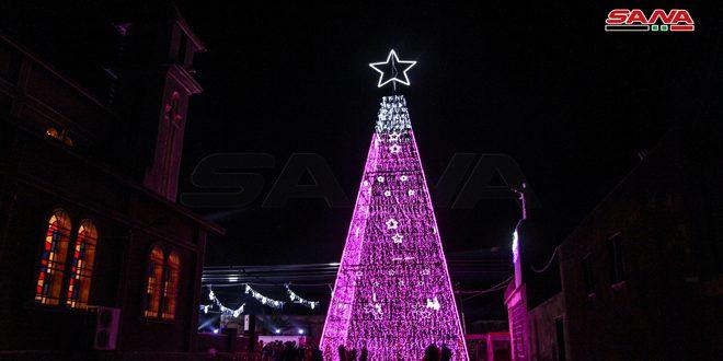 Зажглись рождественские огни на главной елке провинции Дараа