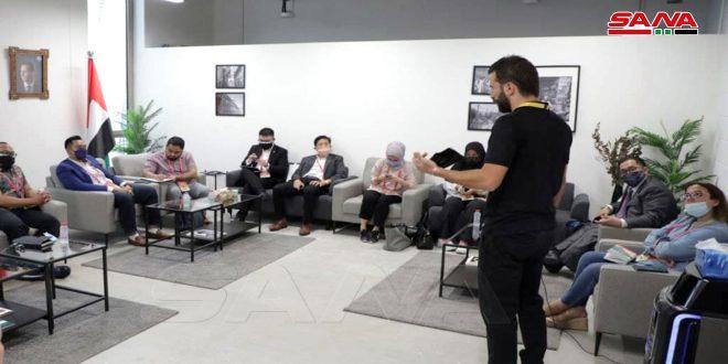 Expo Dubai'deki Suriye Pavyonunun Temsilcilerinin Çeşitli Ülkelerden Meslektaşlarıyla Görüştü