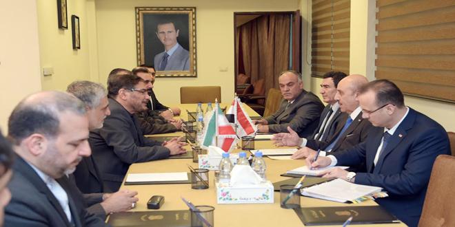 Una delegazione siriana guidata da Ali Mamlouk (sulla destra) incontra una delegazione iraniana per discutere di sicurezza e terrorismo, gennaio 2017. Credits to: SANA.
