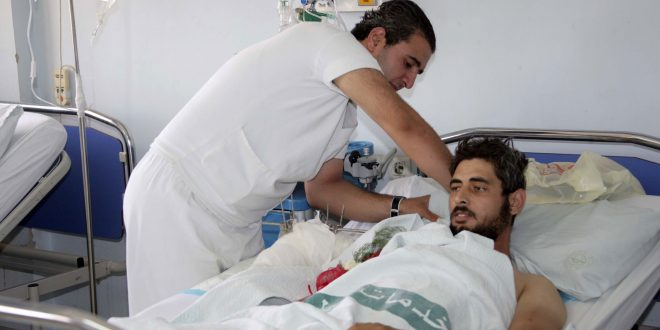 Doctors volunteer to treat martyrs' families and wounded for free