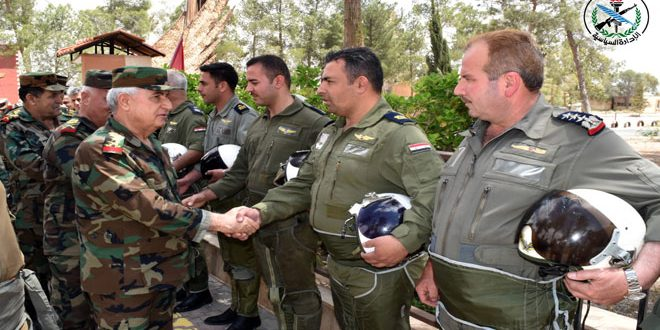 Defense Minister conducts field visit to military formations in eastern Qalamoun, Damascus Countryside