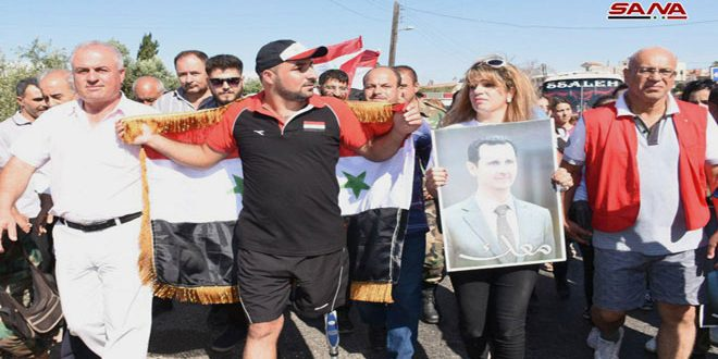 Wounded captain Ali Hohsen starts walk from Misyaf to Damascus