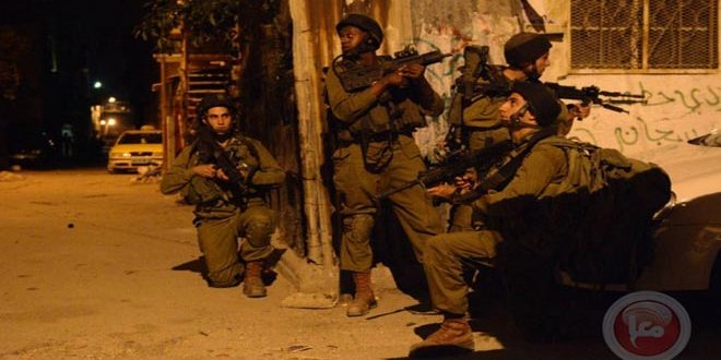 Occupation forces arrest 3 Palestinians in the West Bank