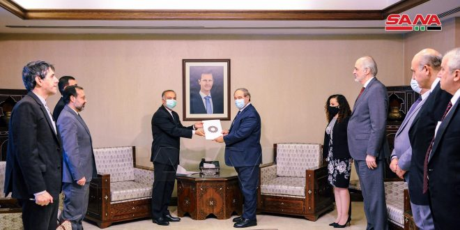 Mikdad receives a copy of credentials of Iran's Ambassador