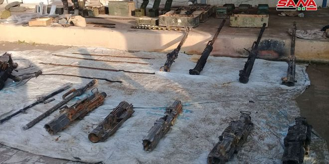 """El ejército elimina a los terroristas """"Daesh"""" en el desierto de Palmira y se apodera de sus armas y cinturones explosivos"""