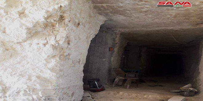 Ejército halla túneles usados por los terroristas en la ciudad de Qalet Al-Madiq en el campo noroeste de Hama