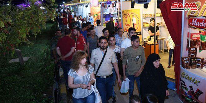 120 empresas sirias participan en el festival de verano en Alepo