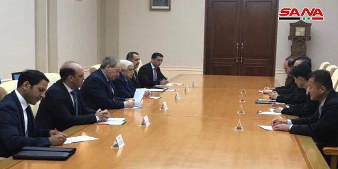 Al-Moallem examina en Pyongyang los esfuerzos frente a la hegemonía y el terrorismo económico
