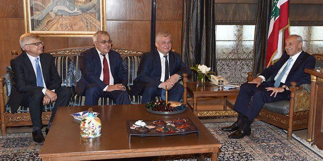Presidente del Parlamento libanés debate con Lavrantiev repatriación de los desplazados sirios