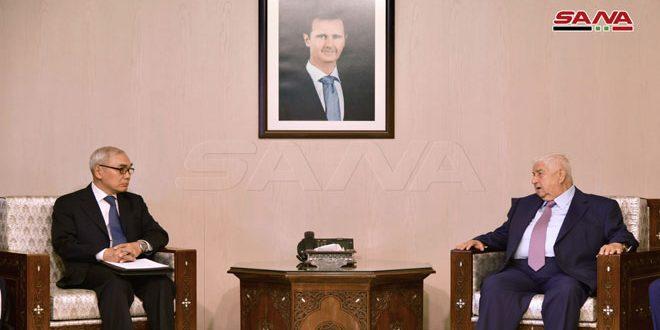 Canciller al-Moallem y enviado chino repasan relaciones bilaterales y últimos desarrollos en la región