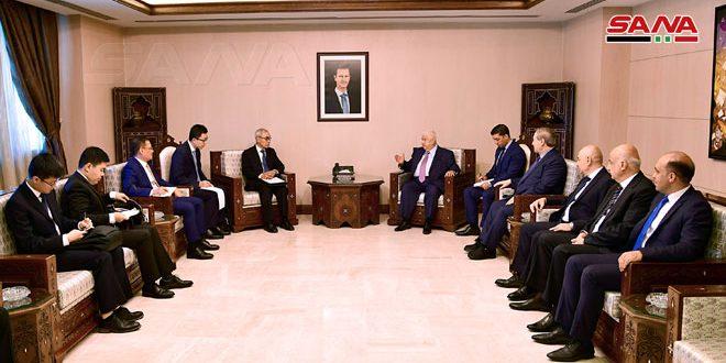 Al-Maollem discute con Xie Xiaoyan las relaciones bilaterales entre Siria y China y los últimos desarrollos en la región