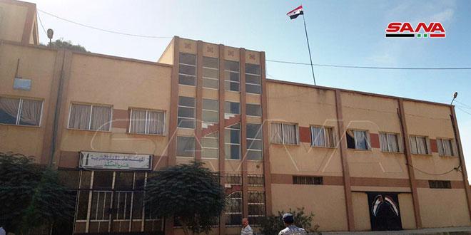 Izan banderas nacionales en escuelas e instituciones estatales en Hasakeh y Qamishli