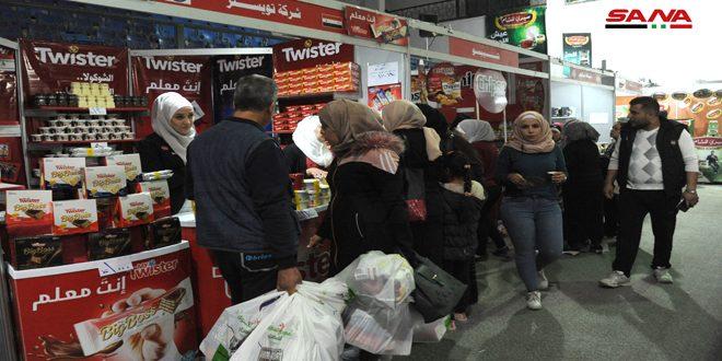 Más de 130 empresas en el festival de compras mensual en Damasco