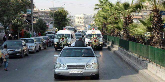 Despiden al mártir Moaz al-Ayuri en el campamento de Yarmouk en Damasco