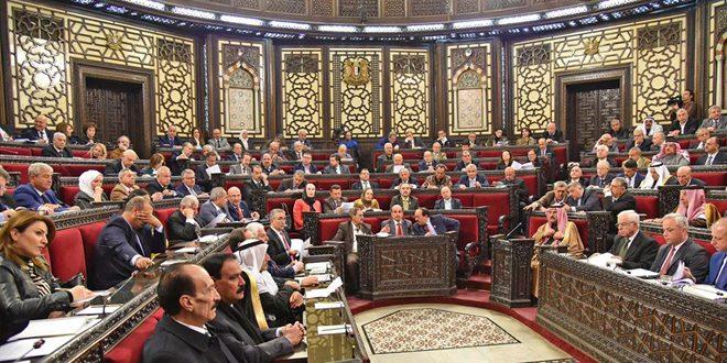 Parlamento aprueba la construcción de dos refinerías de petróleo