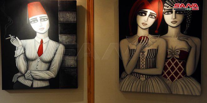 Artista plástica exhibe sus cuadros que abordan el alma de las féminas sirias