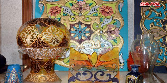 VIDEO: artesano sirio convierte los vidrios en verdaderas obras de artes
