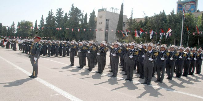 Ceremonia de graduación de un nuevo grupo de oficiales de Fuerzas de Seguridad Interna (fotos)