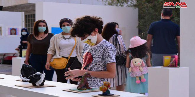"""""""Dennos la paz"""", exposición de pinturas de niños sirios"""