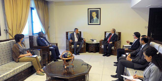 Mekdad recibe a Lazarini y ratifica apoyo de Siria a la causa de los refugiados palestinos