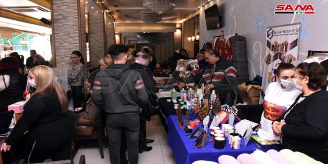 35mujeres protagonizan exposición benéfica en Alepo