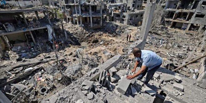 En fotos…Destrucción causada por el bombardeo de la ocupación israelí contra viviendas palestinas en el norte de la Franja de Gaza.