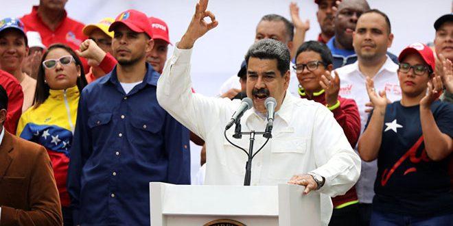 مادورو: تحریمهای جدید آمریکایی ونزوئلا را قویتر میکند