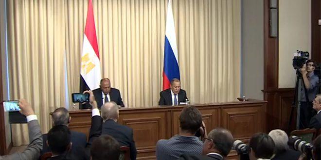 لاوروف: حل و فصل بحران در سوریه مطابق با قطعنامه 2254 و بر اساس احترام به حاکمیت و وحدت اراضی این کشور است