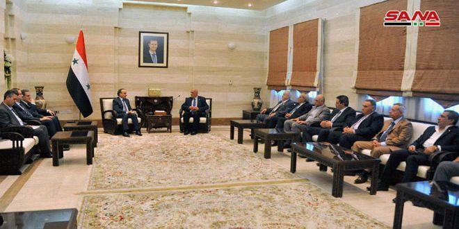 نخست وزیر کشورمان در دیدار با اعضای انجمن وکلای سوریه: پیش نویس قانون جدید انجمن وکلا در هفته آینده بررسی خواهد شد