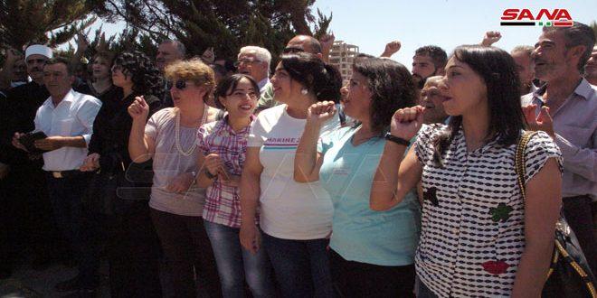 مراسم تقدیر از قهرمانان ارتش عربی سوریه در سویداء به مناسبت پیروزی های ارتش در حومه های حماه و ادلب