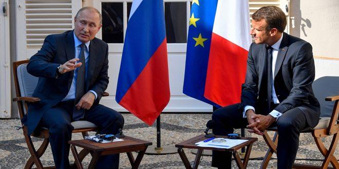 پوتین در دیدار با مکرون: روسیه از تلاش های ارتش عربی سوریه در عملیات خود ضد تروریسم حمایت می کند