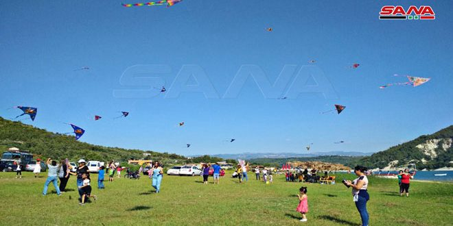 جشنواره بادبادک باعث شادی کودکان شهدا وجانبازان شد