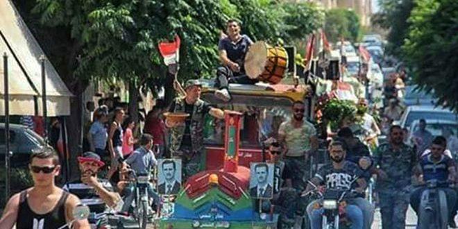 جشن اهالی محرده به مناسبت پیروزی های ارتش در نبرد علیه تروریسم در ریف شمالی حماه