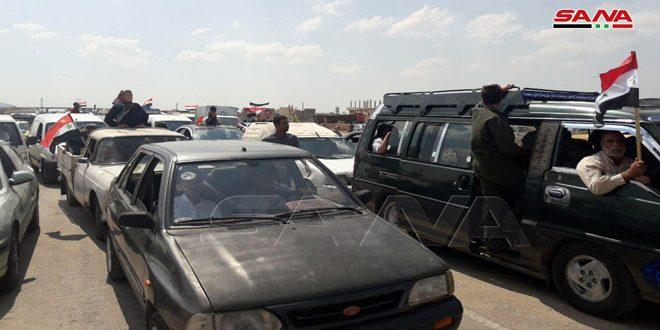 بازگشت هزار ها شهروند سوری به روستاها و شهرک های خود در حومه شمالی حماه و حومه جنوبی ادلب