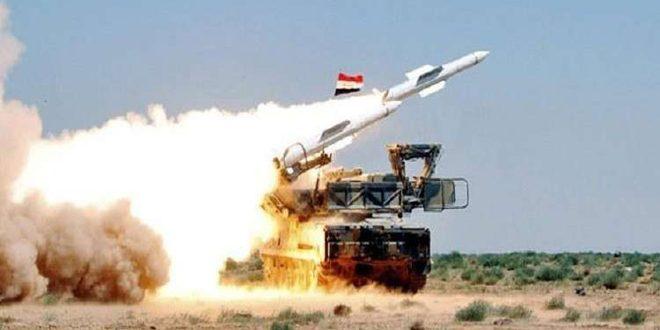 سامانه پدافند هوایی یک پهپاد مهاجم را در منطقه عقربا در جنوب دمشق منهدم کرد
