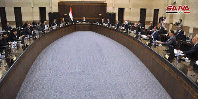 نشست کابینه کشورمان: همه کارمندان دولت از فردا (دوشنبه) سر کار میآیند